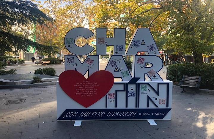 Imagen del tótem de la campaña instalado en Plaza Prosperidad