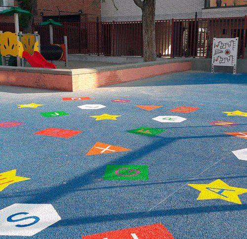 Uno de los patios del distrito Latina rehabilitados a través de los presupuestos participativos 2016.