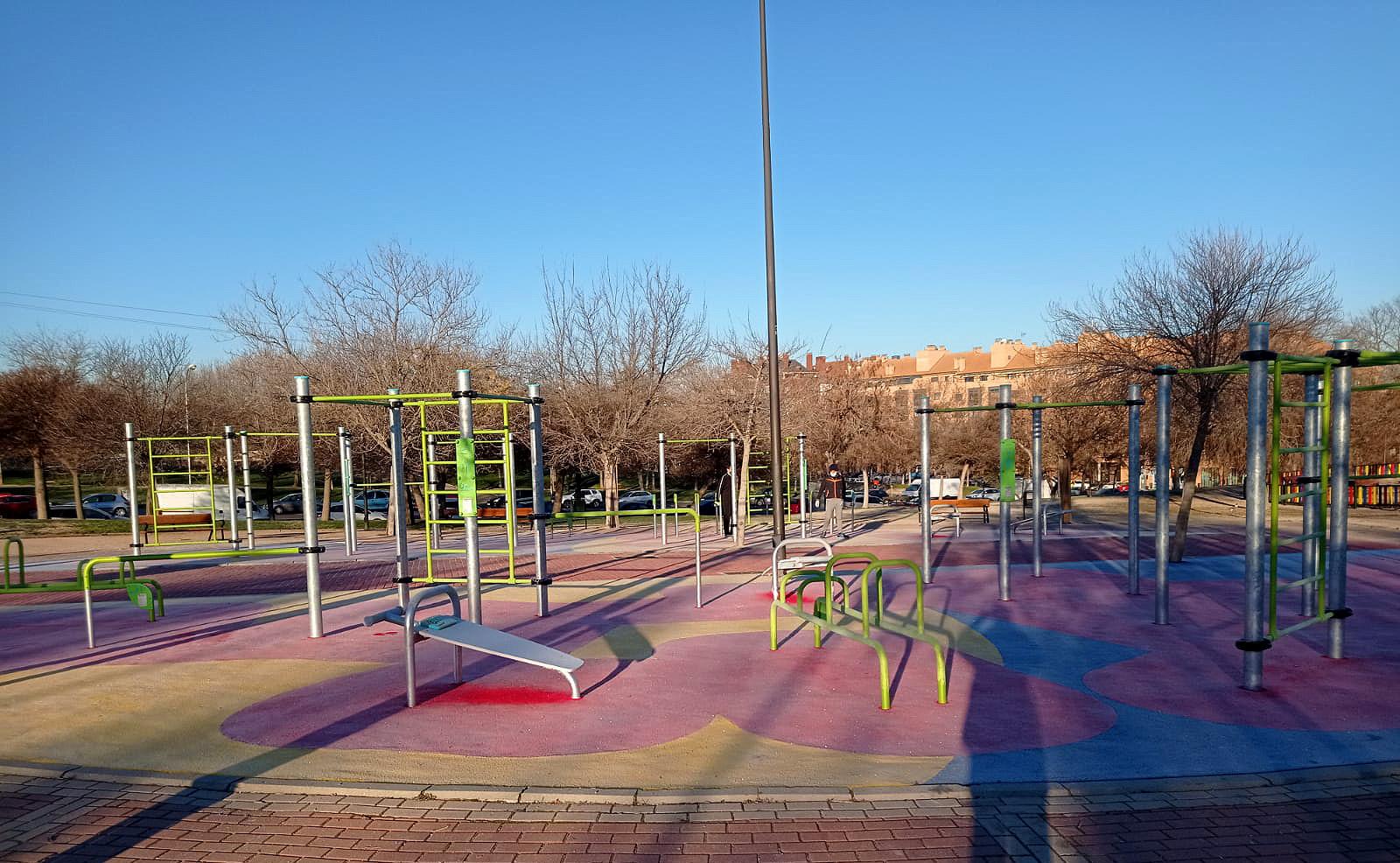 Circuito de calistenia del parque de la Cuña Verde de distrito Latina