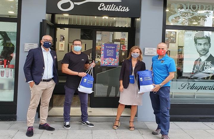 La concejala de Moratalaz, Almudena Maíllo, en la presentación de la campaña de apoyo al comercio