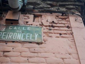 Impactos en la fachada de Peironcelly 10