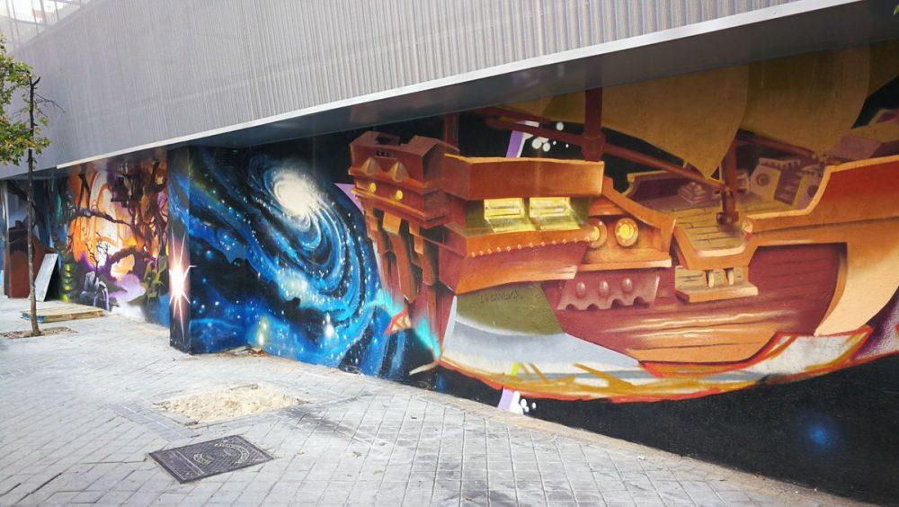 El mercado de Doña Carlota renueva su fachada con arte mural