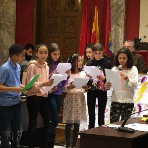 Lectura de sus análisis y propuestas en el Pleno de la infancia y la adolescencia