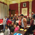 Los representantes de COPIA y de los partidos políticos al final del Pleno
