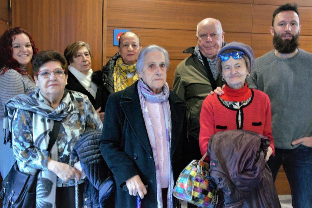 Los proyectos de Intervención Comunitaria fomentan la integración de las personas mayores en el distrito