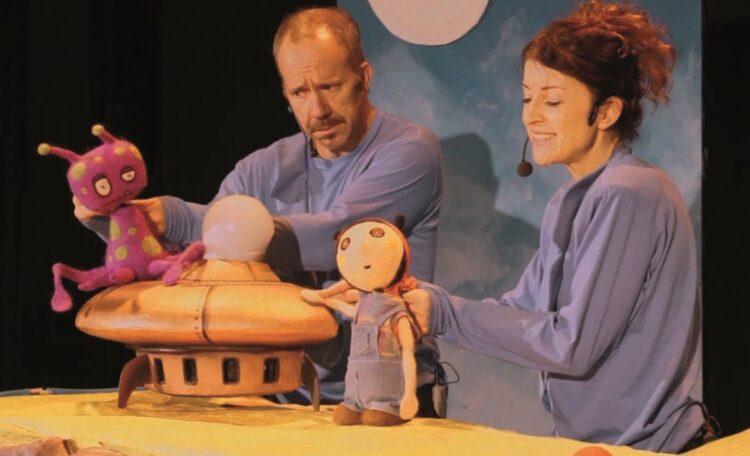Escena de la obra de teatro Blip y Lúa