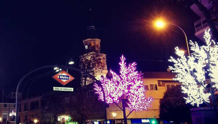 Las luces son una parte importante de la Navidad en Puente de Vallecas