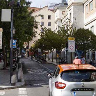 Señalización de la APR en la calle Embajadores