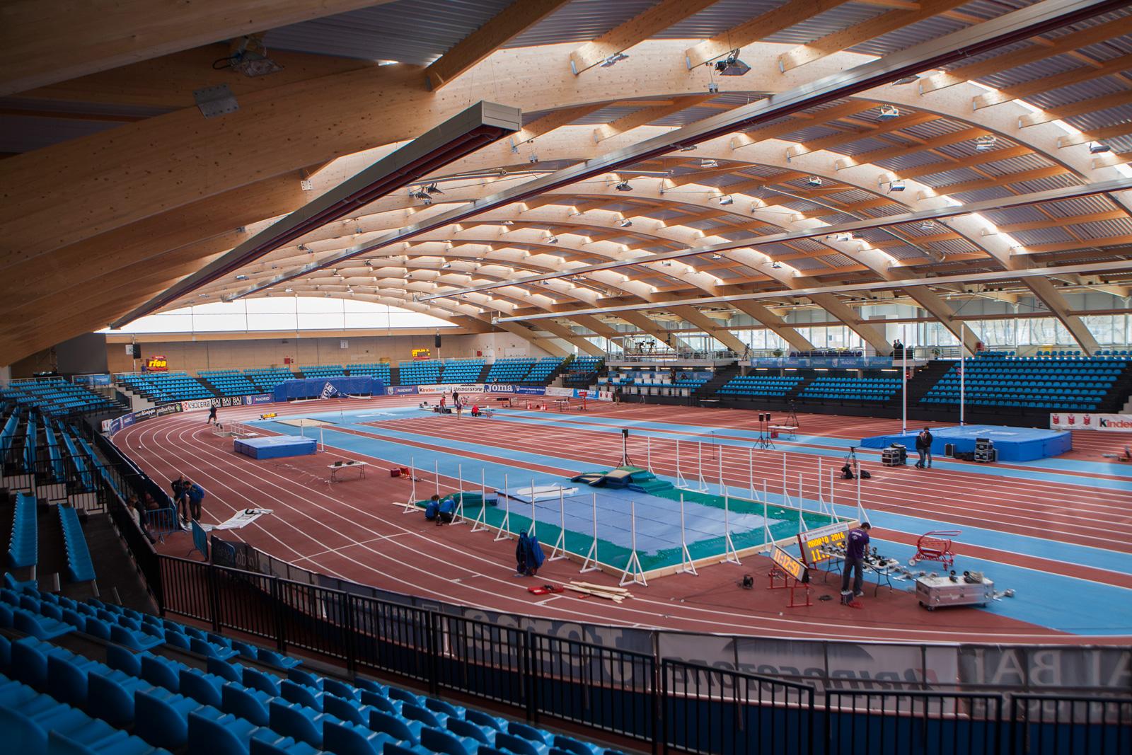 Vista general de la pista de atletismo de Gallur tras su inauguración