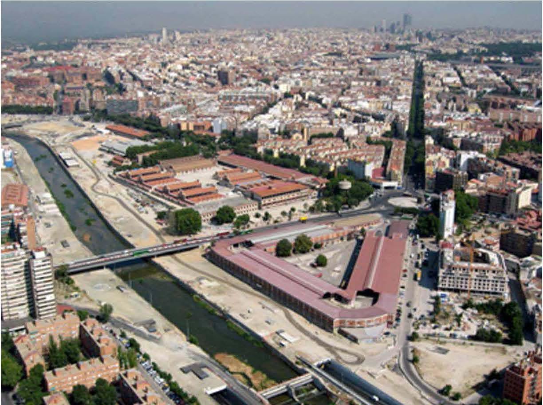 Vista aérea de la zona, anterior a la finalización del parque Madrid Río
