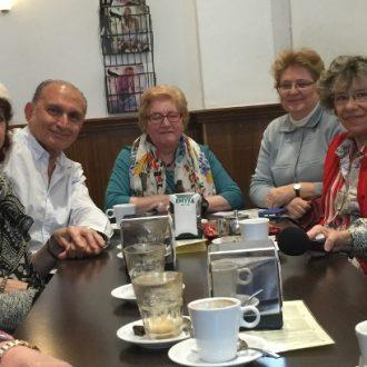 Integrantes del grupo de cuidadores que salió tras su paso por el programa municipal en Chamberí