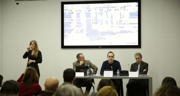 Calvo en la presentación del Manual de Accesibilidad para espacios públicos urbanizados del Ayuntamiento de Madrid