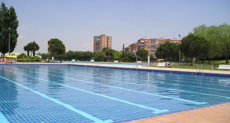 el s bado abren las piscinas municipales de verano