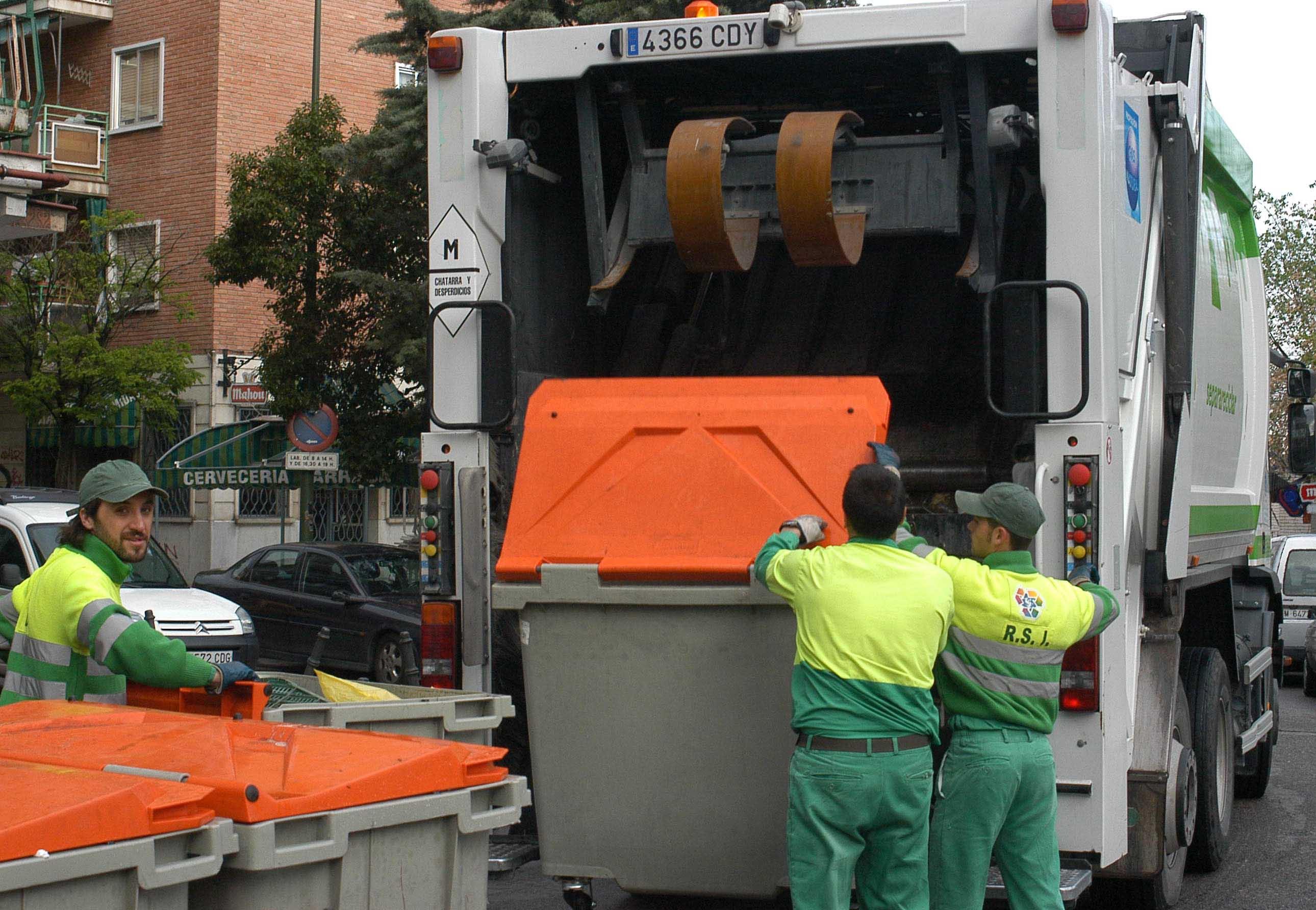 No habrá recogida de basura la noche del domingo 24 de diciembre ni ...