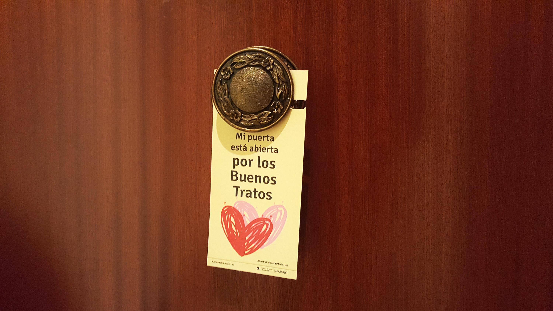 Puerta decorada del medio ambiente puertas t - Puerta de madrid periodico ...