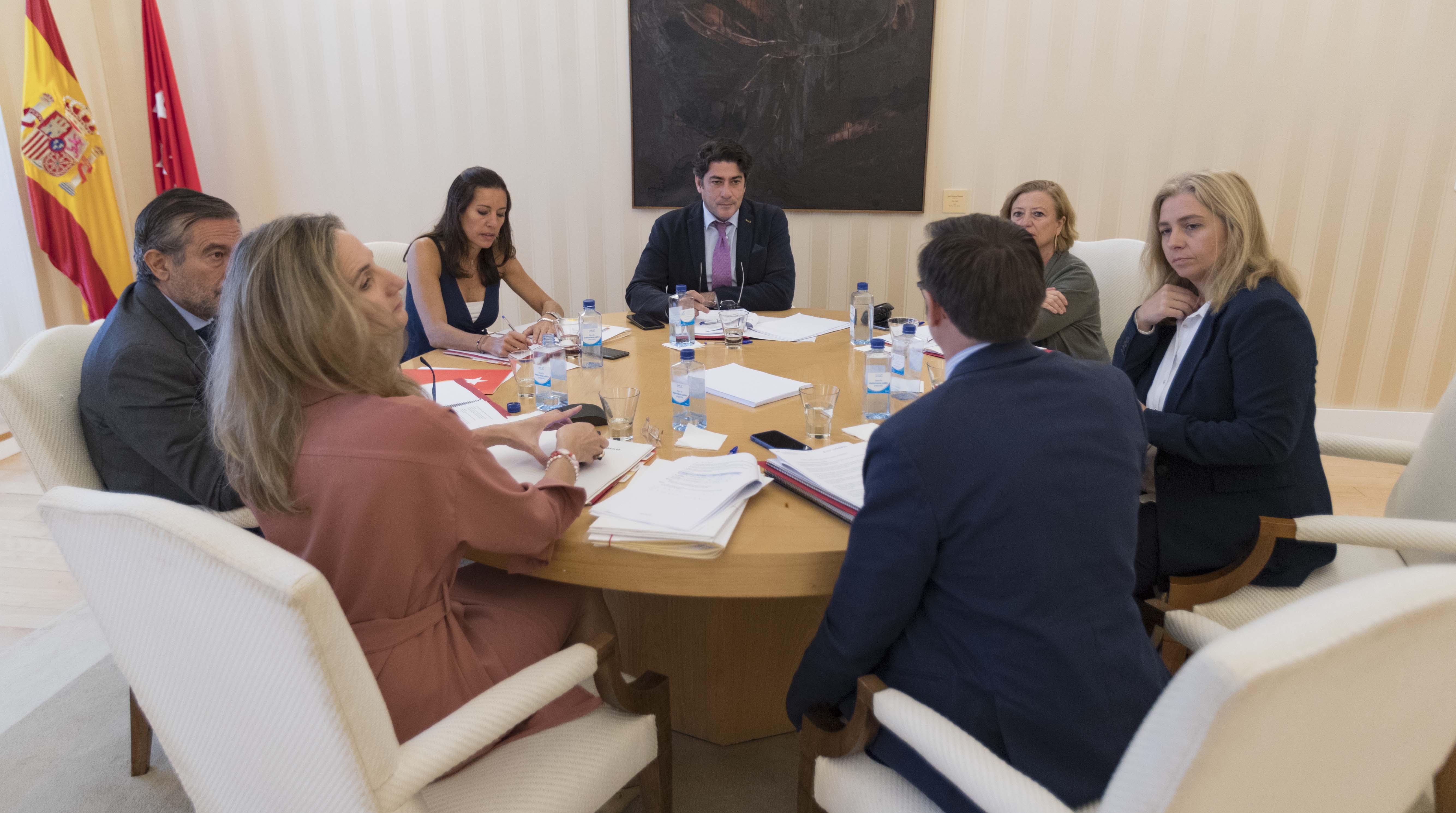 Reunión de la Mesa de la Vivienda y Okupación