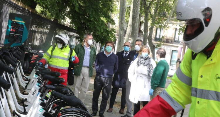 Ciudad Lineal - Almeida comprueba cómo se desinfecta BiciMAD en su ...