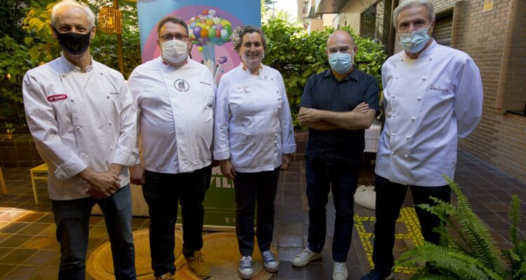 Jesús Almagro, José Luis Inarejos, Pepa Muñoz, Ángel Murcia y Pedro Larumbe, cuatro de los chefs con el director de Veranos