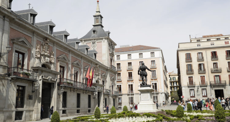 Plaza de la Villa, un rincón del Madrid de leyenda