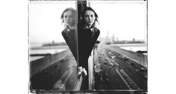 Entre el arte y la moda. Steve Hiett. Cecilia Chancellor, 1996 © Steve Hiett
