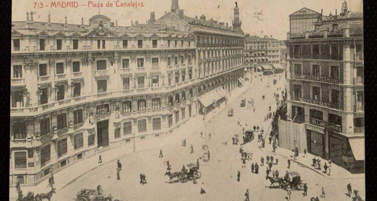 Plaza de Canalejas entre 1916 y 1923. Tarjeta postal