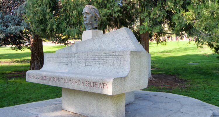 Escultura de Beethoven
