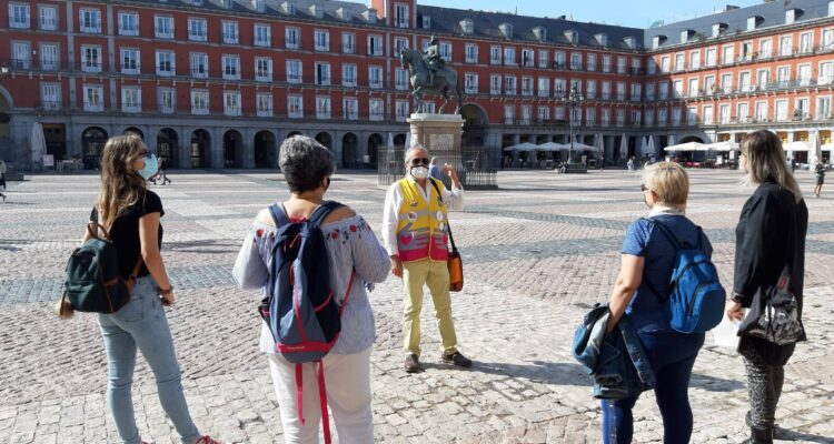 Voluntariado como guía de rutas culturales por Madrid