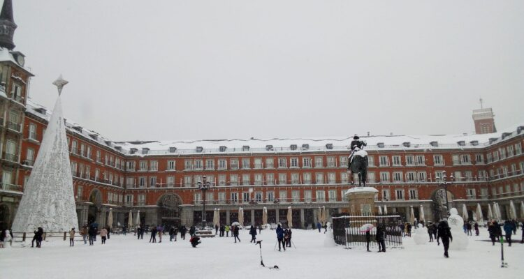 Plaza Mayor nevada en 2021. Foto Pilar Oviedo