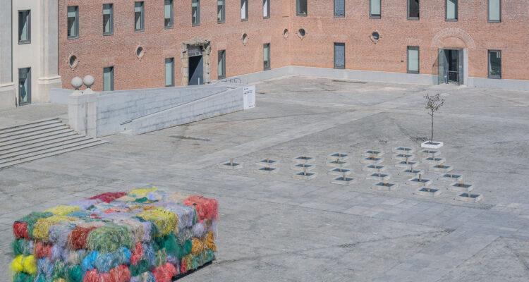 'Los mares del mundo', arte sostenible en el Conde Duque