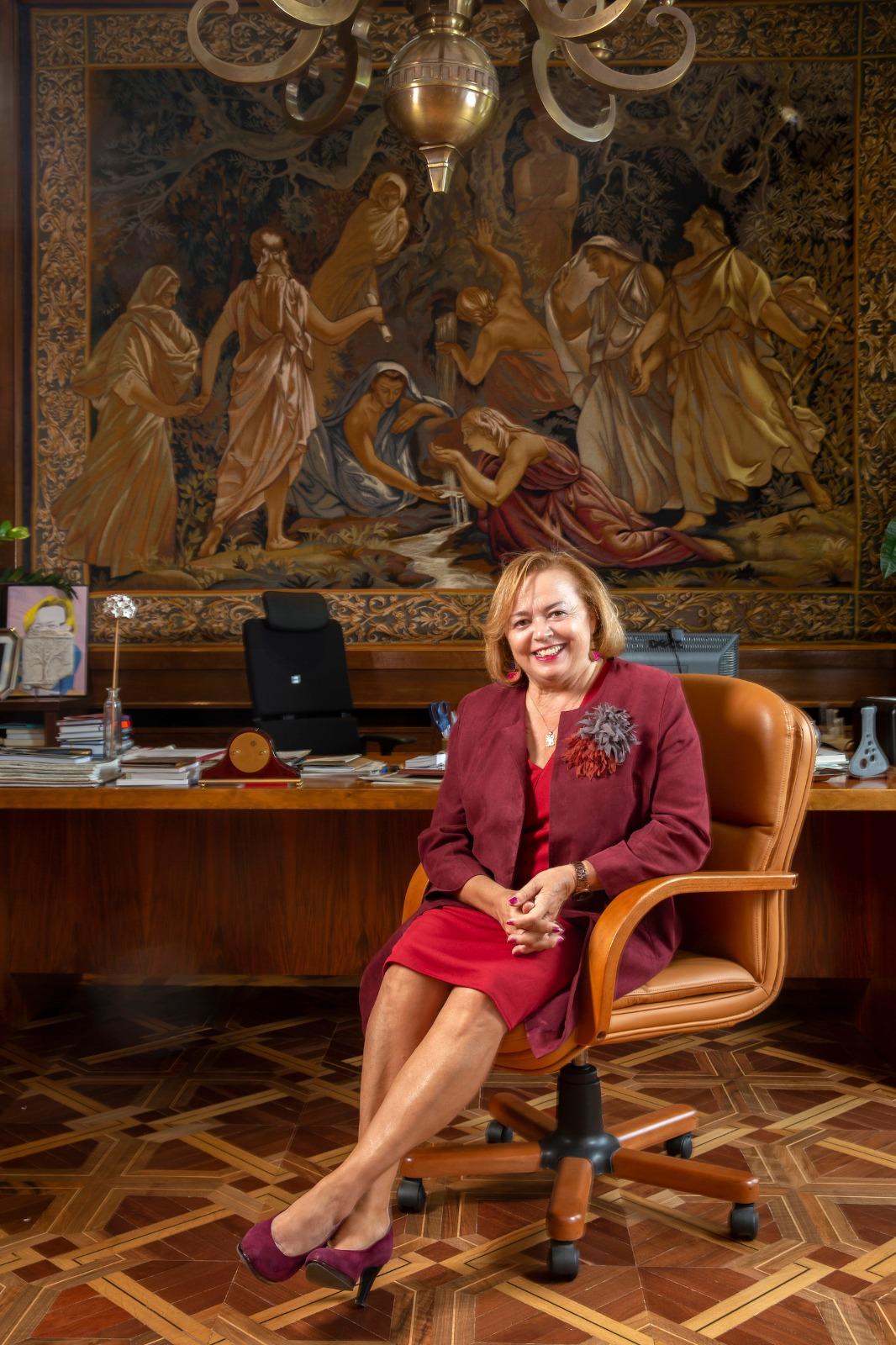 Rosa Hernández, primera mujer en ocupar la presidencia del CSIC