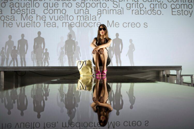 Raphaëlle. Naves del Español en Matadero