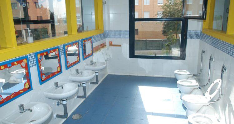 Baños de una escuela infantil municipal