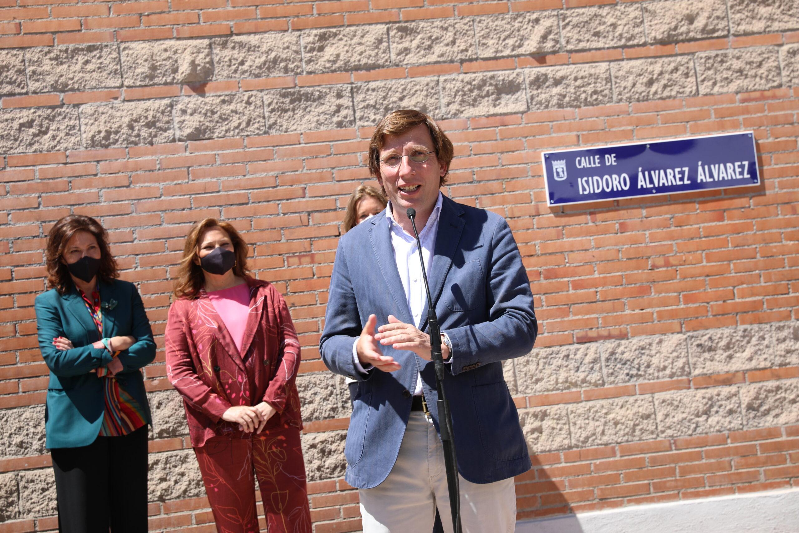 Inauguración de la calle Isidoro Álvarez