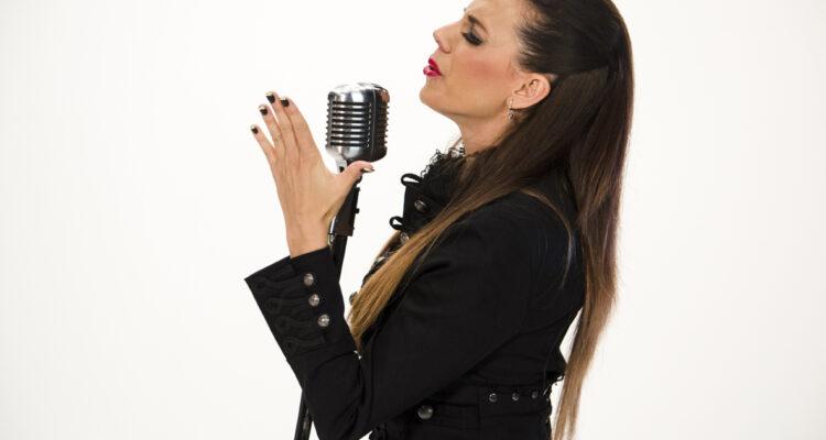 El flamenco fusión de Angélica Leyva sonará en el Jardín de las Brigadas Internacionales