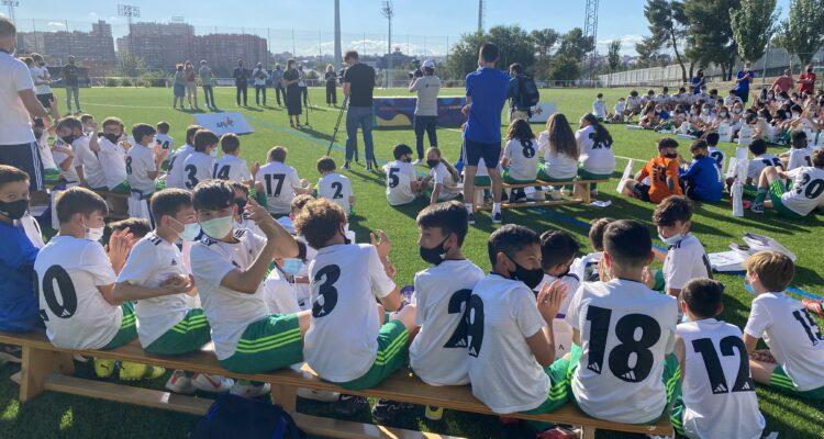Jornada de convivencia en la Escuela de Fútbol de la Asociación de Futbolistas Españoles (AFE)