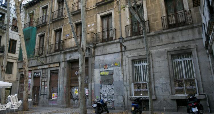 Imagen de la fachada antes de la rehabilitación