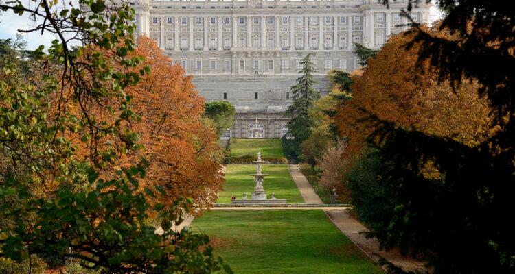 Campo del Moro, junto al Palacio Real