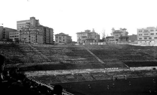 Gradona del Estadio Metropolitano. Autor Florentino Moretón (1966)