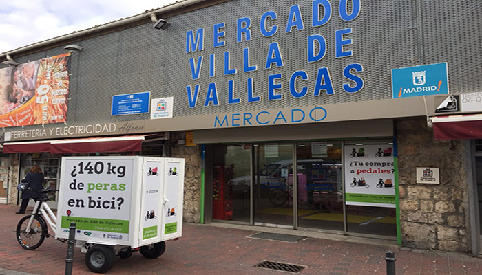 Durante dos semanas los comerciantes de Villa de Vallecas harán entrega de sus mercancías por el sistema de ciclologística